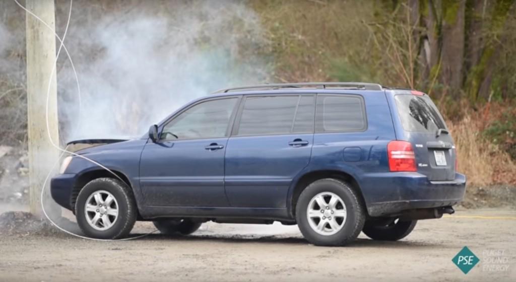 Τι πρέπει να κάνετε αν ρευματοφόρο καλώδιο πέσει πάνω στο αυτοκίνητο;